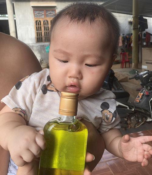 Mẹo trị sổ mũi cho trẻ sơ sinh bằng dầu tràm hiệu quả, ít ai biết12